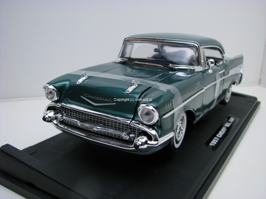 Chevrolet Bel Air 1957 green 1:18 Motor max